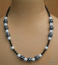 Černobílý náhrdelník z kuliček