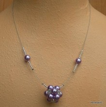 Náhrdelník z fialových perliček
