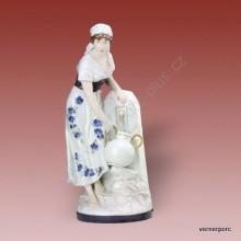 Porcelánová soška - Žena se džbánem 10564 isis