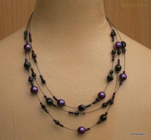 Černo-fialový náhrdelník