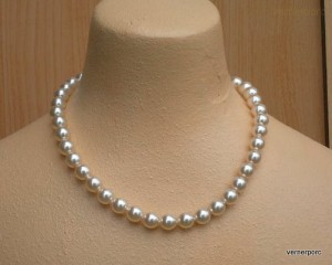 Náhrdelník z perlí krémové barvy