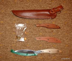 Pevný lovecký nůž UR1SF ORIGINAL DESIGN na sestavení.