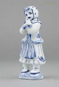 Porcelánová figurka - Děvče s ptáčkem