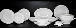 Porcelánová jídelní souprava Bernadotte bílá 26 dílná.