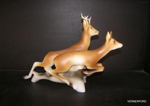 Porcelánová soška - Běžící srny 24429 pastel