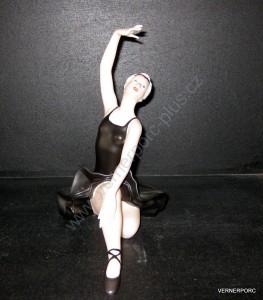 Porcelánová soška - Sedící baletka  22206 natur + fond černý + zlato