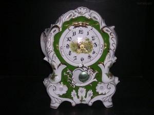 Porcelánové hodiny krbové 763 32 cm