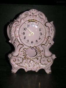 Porcelánové stojací hodiny krbové  32 cm