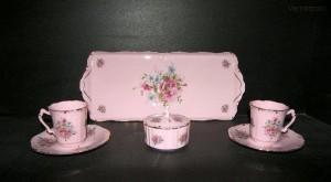 Přátelská souprava Amis 013 7d. z růžového porcelánu