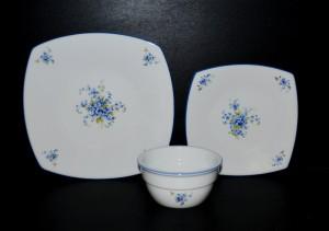 Sada talířů 18 dílná, porcelán pomněnky