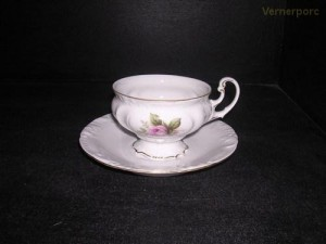 Šálek s podšálkem na čaj Thun 466