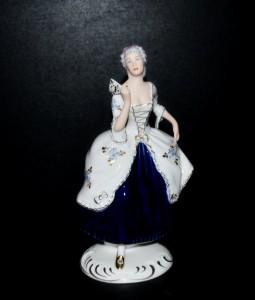 Tančící dáma s vějířem rokoko 139 isis