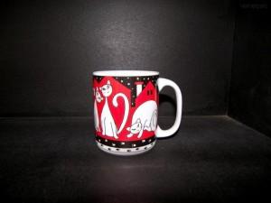 Velký porcelánový hrnek, dekor červené kočky 0,5l.