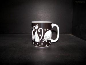 Velký porcelánový hrnek, vzor černé kočky 0,5l.