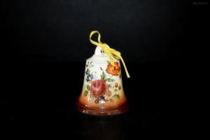 Zvonek hnědý nástřik s růžemi 9cm.