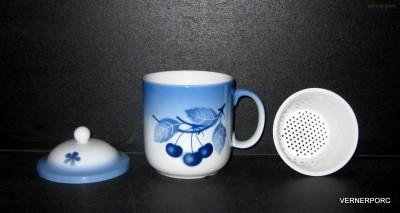 Hrnek byliňák Pinta, dekor Blue Cherry Thun