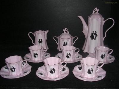 Kávová souprava Olga z růžového porcelánu Thun