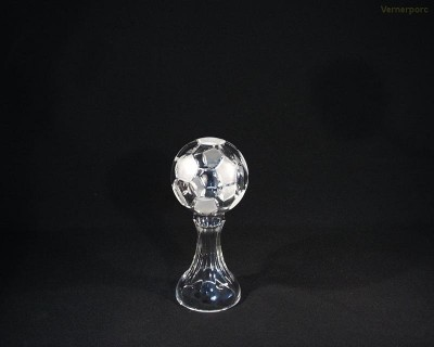 Pohár fotbalový míč křišťál 77040/00000/200  20cm. Tom Crystal Bohemia