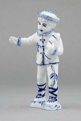 Porcelánová figurka - Chlapec Český porcelán