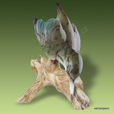 Porcelánová soška ledňáčka Royal Dux Bohemia