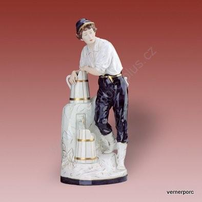 Porcelánová soška muže s vědry Royal Dux Bohemia