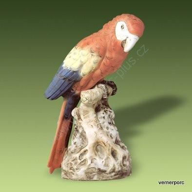 Porcelánová soška papouška Royal Dux Bohemia