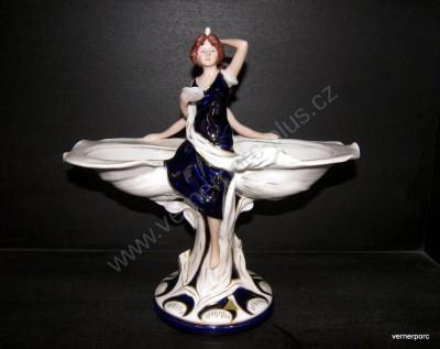 Porcelánová soška slečen s mušlemi Royal Dux Bohemia