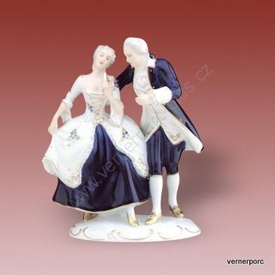 Porcelánová soška tanečního páru se zlatými botami Royal Dux Bohemia