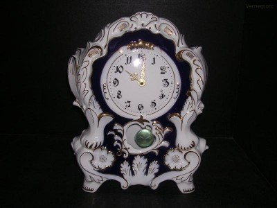 Porcelánové hodiny krbové 6996 32 cm Leander Loučky