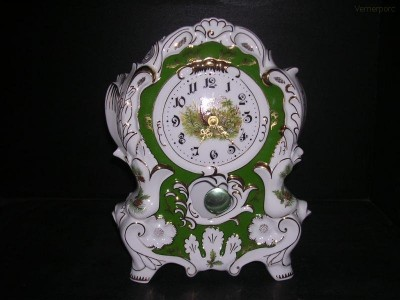 Porcelánové hodiny krbové 763 32 cm Leander Loučky