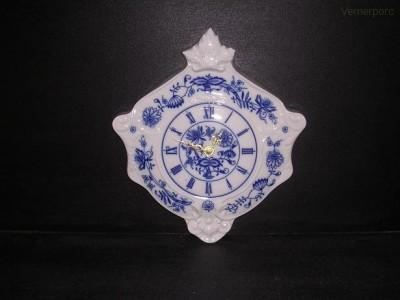 Porcelánové nástěnné hodiny erbovní 27 cm Leander Loučky
