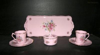 Přátelská souprava Amis z růžového porcelánu Leander Loučky