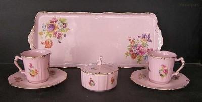 Přátelská souprava Amis 056 7d. z růžového porcelánu Leander Loučky