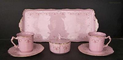 Přátelská souprava Amis 158 7d. z růžového porcelánu Leander Loučky