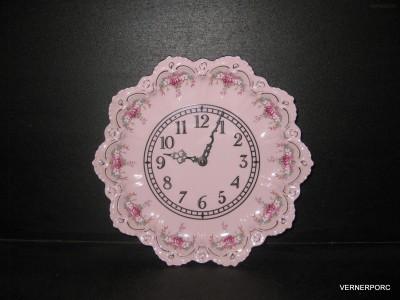 Talířové hodiny Lenka 563 z růžového porcelánu Epiag