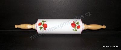 Porcelánový váleček na nudle, dekor jahody Český porcelán