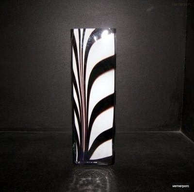 Váza hranatá ZEBRA 25cm. Madonna