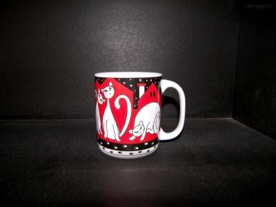 Velký porcelánový hrnek, dekor červené kočky 0,5l. Thun